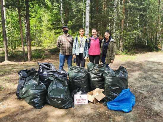 Югорчане собрали мусор во время плоггинг-забегов
