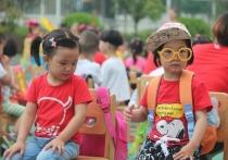 Настоящая демографическая революция произошла в Китае, где власти дали добро на то, чтобы семьи заводили третьего ребенка