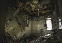 В Барнауле снесут заброшенное здание, в котором ученицы местной школы избили, а затем изнасиловали ученицу начальных классов.