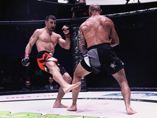 Секс-символы UFC подерутся на голых кулаках, а Кошкин брутально нокаутировал Бутенко