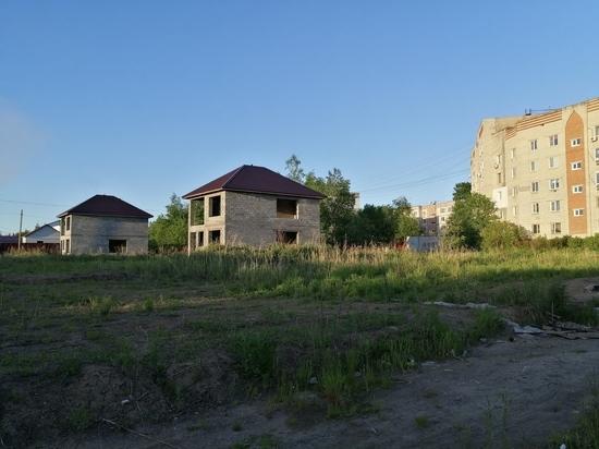 В Хабаровске дети продолжают играть в недострое, с которого упал 11-летний мальчик