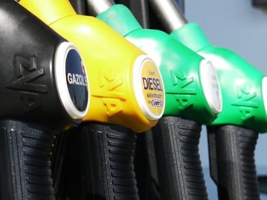 США продали нефть с танкера, захваченного у побережья ОАЭ, за $110 млн