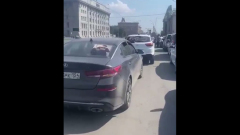 Азербайджанцы Новосибирска устроили акцию памяти застреленного соотечественника: видео
