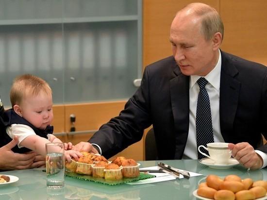 Путин заявил, что у его близких многодетные семьи