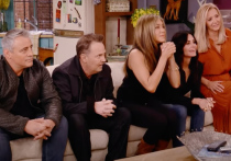Зрители посмеялись над звездами сериала «Друзья»: Мэтта Леблана назвали дедулей