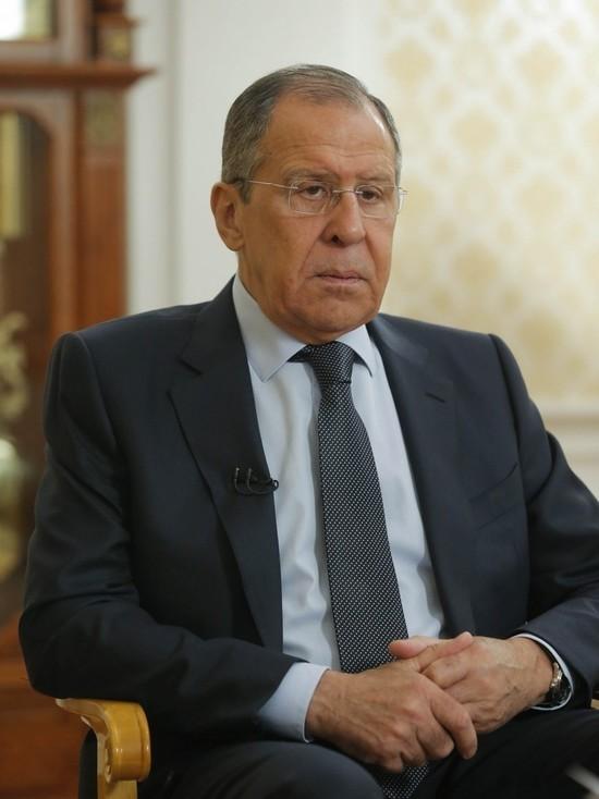 Лавров: Москва делает выводы из угроз Запада отключить РФ от SWIFT