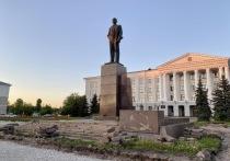 В ходе реконструкции сквера на площади Ленина у псковичей появился ряд вопросов к процессу благоустройства