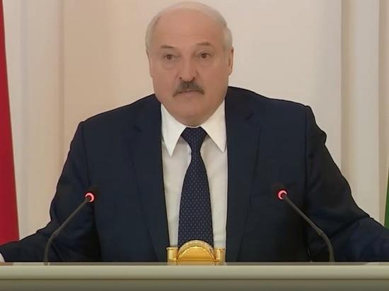 Лукашенко: может мы с Путиным на той шхуне пройдём в Крым