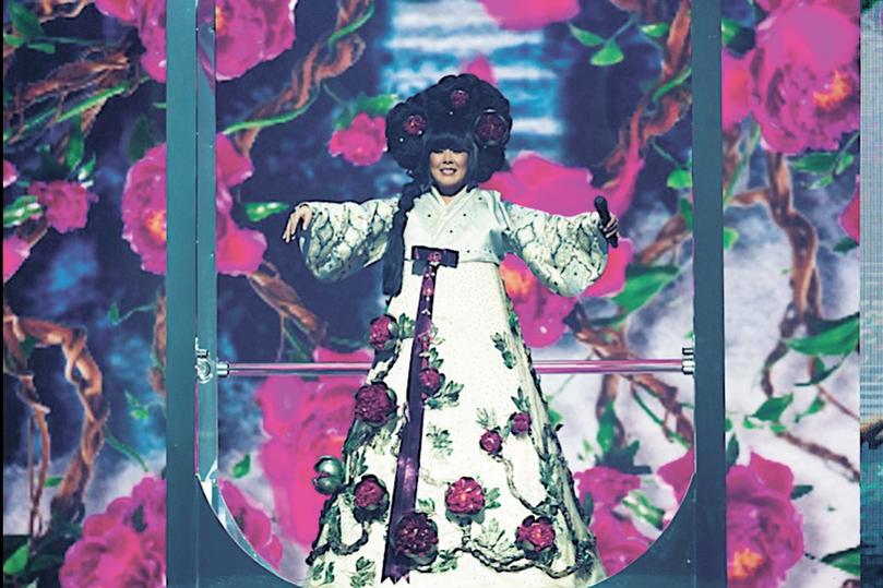 Корейское платье Аниты Цой предвосхитило «матрешку» Манижи