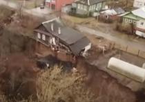 Жители деревни Караулово, Нижегородской области, бьют «во все колокола»