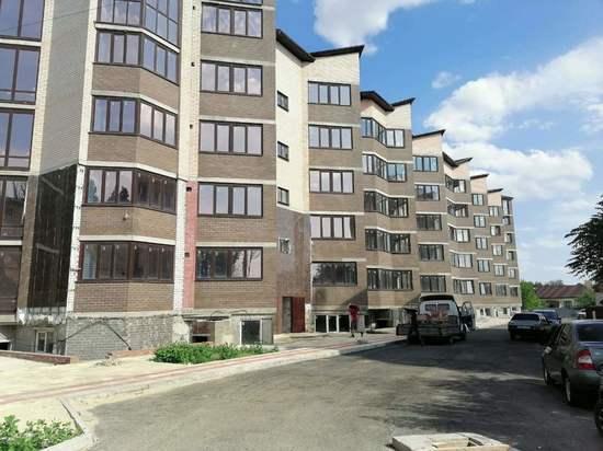 В домах столицы Калмыкии ведутся строительные работы