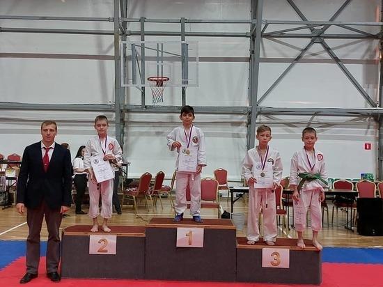 Каратисты из Серпухова заняли весь пьедестал на Региональных соревнованиях