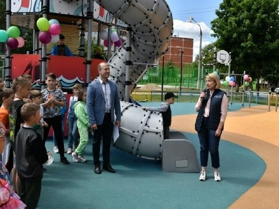 Две губернаторские детские площадки открыли в Серпухове