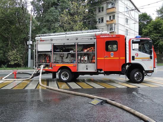 В центре Москвы из-за биокамина загорелась квартира: подруги решили погреться