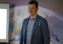 Летчик-космонавт, Герой России Роман Романенко поздравил космонавтов «Роскосмоса» Олега Новицкого и Петра Дубова, которые впервые вышли в открытый космос для выполнения работ за пределами МКС, и рассказал о сложностях такой работы