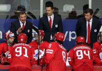 В Риге завершился групповой этап чемпионата мира по хоккею. Сборная России достаточно уверенно заняла первое место в своей группе, выиграв шесть матчей из семи, и в четвертьфинале встретится с Канадой. В целом, россияне смогли оправдать статус одного из главных фаворитов турнира, в отличии от тех же шведов, которые умудрились пролететь мимо плей-офф турнира впервые в своей истории.