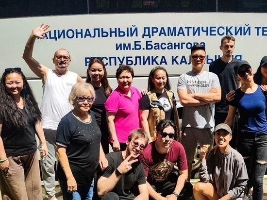 Национальный театр Калмыкии находится в Белоруссии с гастролями