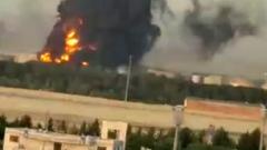 В Иране загорелся нефтеперерабатывающий завод: видео пожара