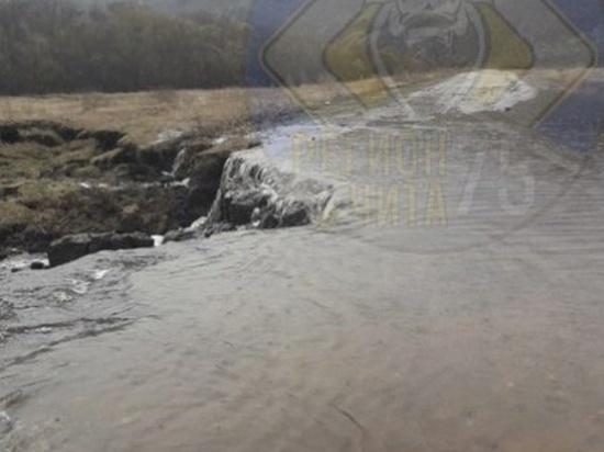 Движение закрыли из-за затопления на участке дороги Шелопугино-Балей