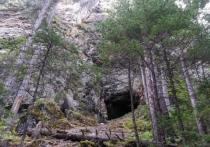 Спуск в пещеру Кодзяма в Хабаровском крае сравним с экскурсией в загробный мир