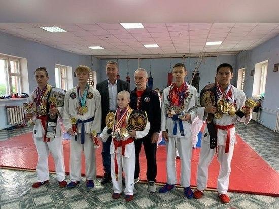 Лучшим воспитанникам одной из спортивных школ Серпухова вручили награды