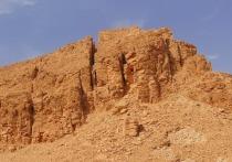 На набережную Челябинска привезли 800 тонн песка