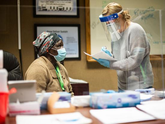 Пиво за прививку: Байден отчаянно призвал американцев к вакцинации от коронавируса