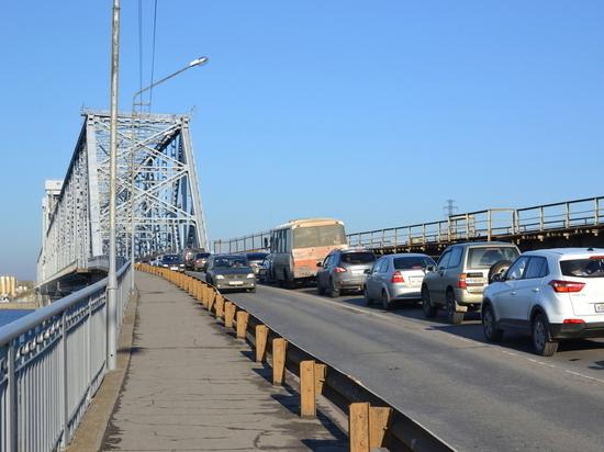 Мост, связывающий губернскую столицу с большой землёй, будет закрыт на ремонт с 15 июня. Время работ примерно две недели – окончание назначено на 28-е.