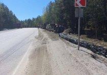 Грузовик, перевозивший битум, перевернулся на трассе «Байкал»