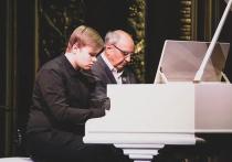 Московский театр «Школа современной пьесы» провел акцию, направленную на защиту детей от безумия современной цивилизации