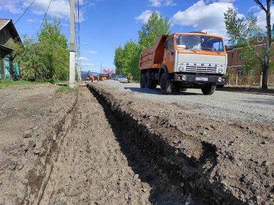 Воду в «ливневку» по Ивановской в Чите направят бордюрами и уклоном