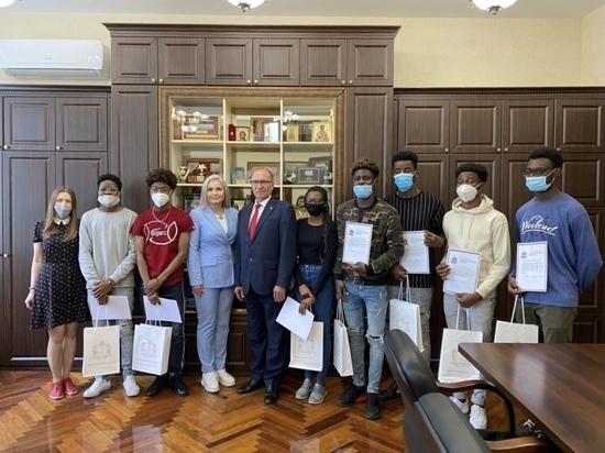 Иностранные студенты нижегородских вузов награждены за участие в «Арзамасском гусе»