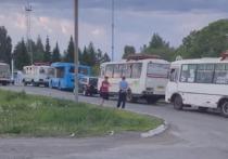 Газовая заправка на Шатурской на ремонте, а заправка на улице Нахимова была с 19 часов ограничена поставщиков в выдаче топлива и сможет приступить к работе только после полуночи