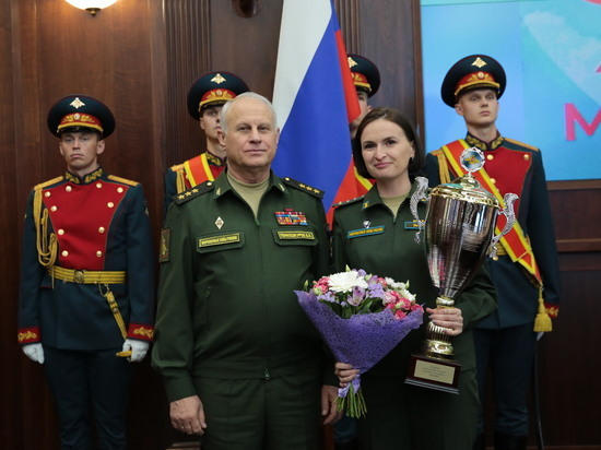 Офицер женского парадного расчета рассказала о подготовке к параду Победы