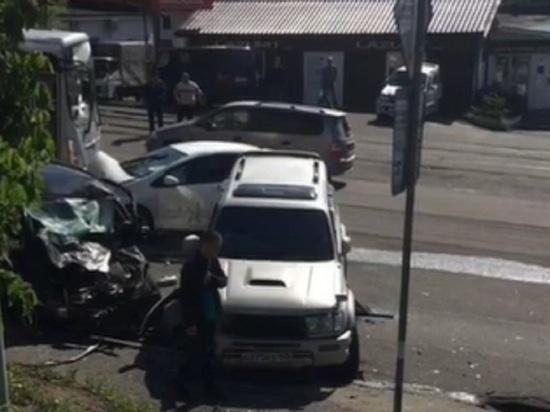 Серьезная авария блокировала проезд по Луговой во Владивостоке