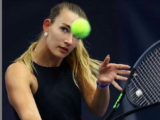 Российскую теннисистку Сизикову задержали во Франции