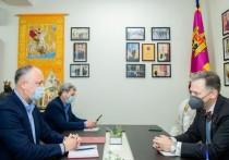 Додон: Молдове нужны взаимовыгодные связи и с Западом, и с Востоком
