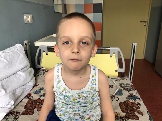 Шестилетнему мальчику из Адыгеи необходимо кресло с электроприводом за 176 960 рублей