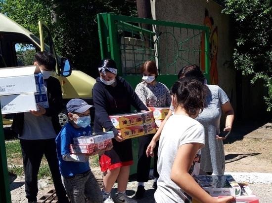 Участники проекта передали подарки воспитанникам дома-интерната