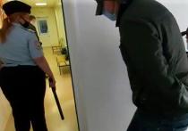 38-летнего инспектора ДПС Александра Гусева, который 28 мая на автодороге «Сибирь» в Новосибирской области непроизвольно выстрелил в голову 19-летнему Векилу Абдуллаеву, выпустили из СИЗО под подписку о невыезде