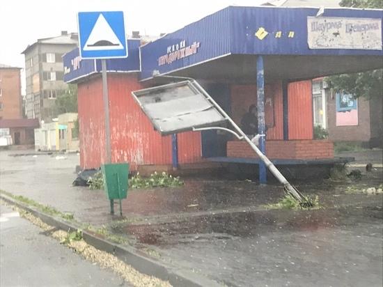 5 июня в  Туве ветер сносил крыши и разбивал окна. ВИДЕО