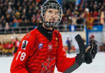Максим Ишкельдин - один из лучших полузащитников хоккея с мячом  в мире, был найден мертвым в своей постели в Новосибирске
