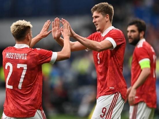Гол Соболева с пенальти принес победу сборной России в матче с Болгарией