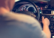 Сотрудникам ГИБДД без формы разрешили фиксировать два нарушения водителей