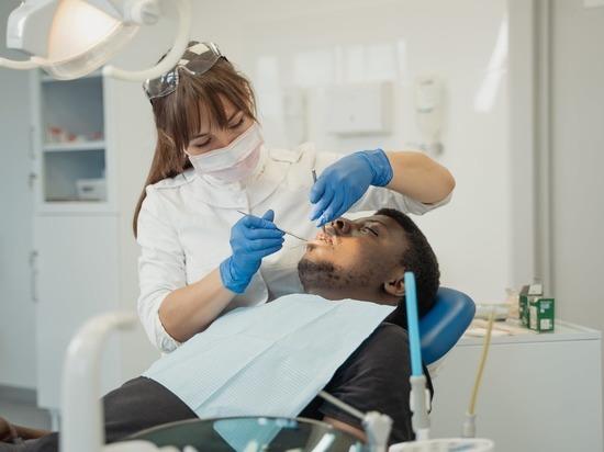 Мясников рассказал, какой рак вызывают болезни зубов