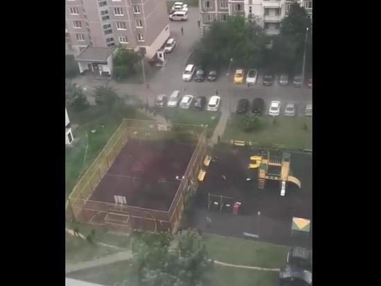 Нацисты и антифашисты устроили кровавое вооруженное побоище в Москве