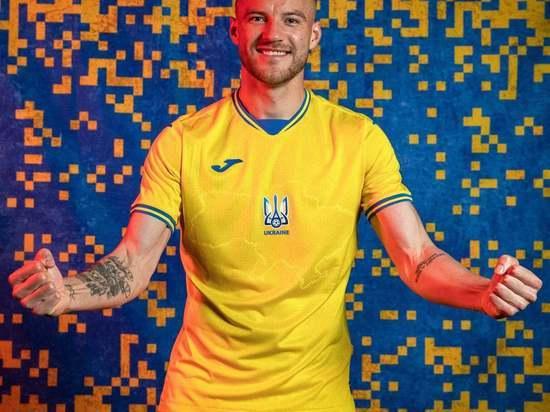 Украина представила форму футбольной сборной с Крымом и «бандеровским» лозунгом