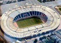 """С 11 июня по 11 июля 2021 года на 11 стадионах пройдут матчи чемпионата Европы по футболу. До апреля их было 12, однако два города - Бильбао и Дублин - лишились права принимать игры Евро из-за отсутствия гарантий допуска зрителей на трибуны. Матчи Бильбао были перенесены в Севилью, матчи Дублина - частично в Санкт-Петербург, частично - в Лондон. """"МК-Спорт"""" знакомит вас со всеми стадионами Евро-2020."""