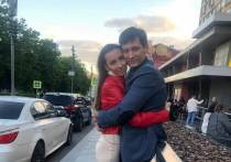 Адвокат оппозиционного политика Дмитрия Гудкова прокомментировал информацию о том, что его клиент покинул Россию после того, как был задержан по делу о долгах одной из компаний семьи