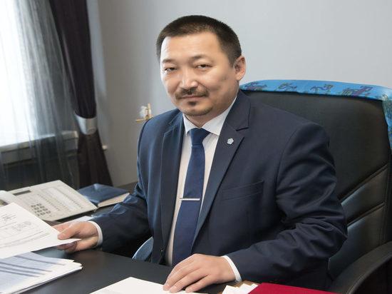 Алдар Тамдын заявил  об отставке с должности министра культуры Тувы